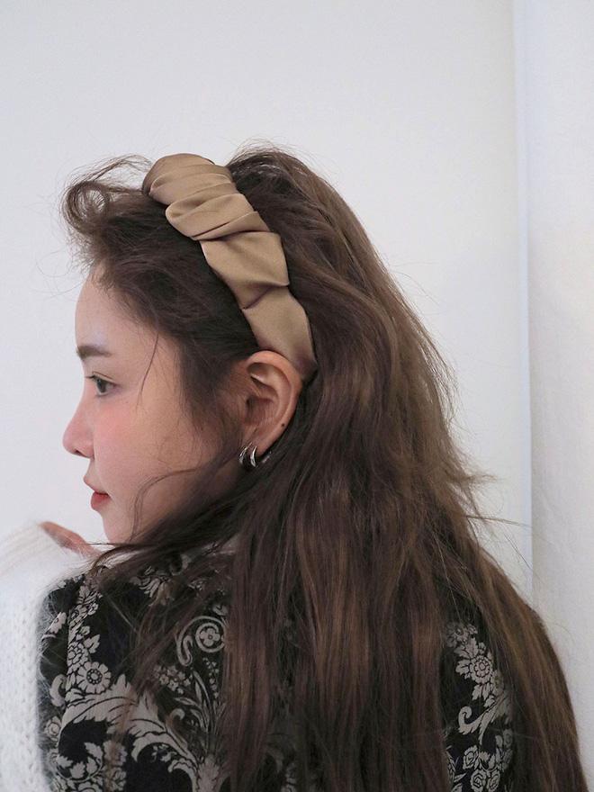 Làm điệu cho mái tóc, chị em đừng vô tình khiến tóc rụng cả búi chỉ vì sai lầm không đáng có - Ảnh 11.
