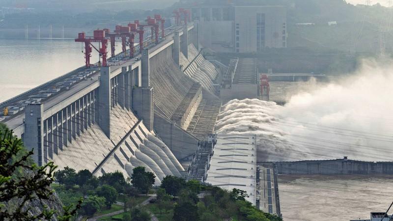 Trung Quốc đối mặt khó khăn chồng chất vì mưa lũ - Ảnh 2.