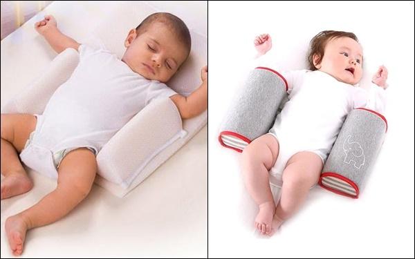 Mẹ nào lúc mua đồ sơ sinh cũng sắm gối chặn cho bé nhưng đến 90% các mẹ đã dùng sai cách rồi! - Ảnh 1.