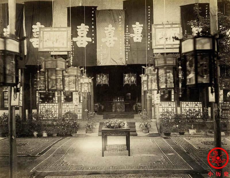 Loạt ảnh cũ cuối thời nhà Thanh: Lễ đường thành hôn được trang trí hoành tráng, một phần Vạn Lý Trường Thành hùng vĩ giữa không trung - Ảnh 5.