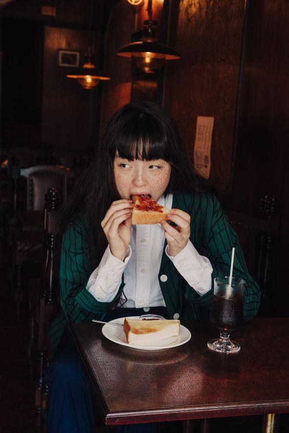 """Người phụ nữ có 6 dấu hiệu này khi ăn thì chắc chắn cân nặng đang tăng nhanh như """"vũ bão"""", thay đổi ngay trước khi lão hóa và bệnh tật kéo đến - Ảnh 6."""