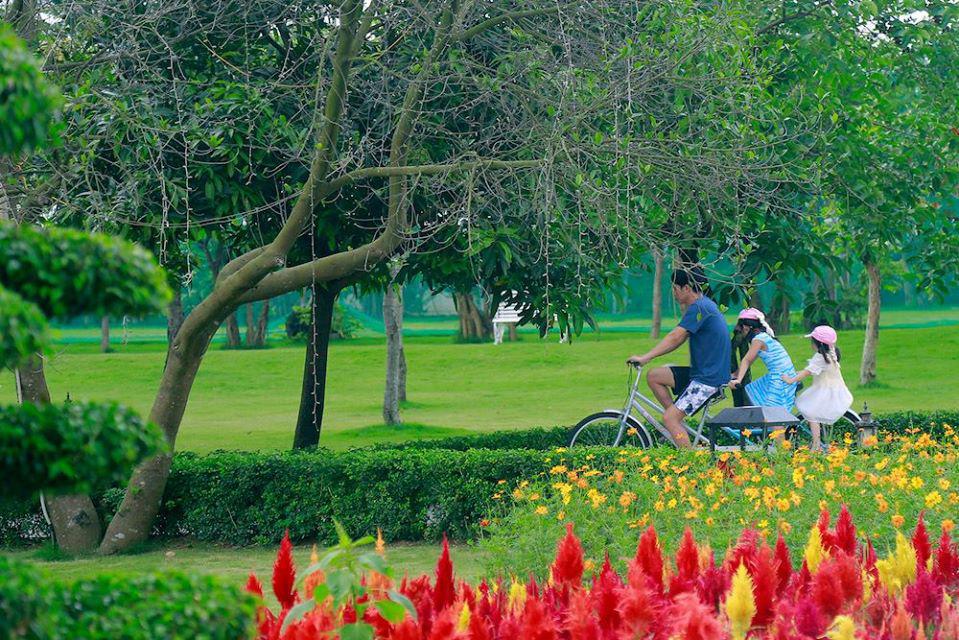"""Du lịch tại chỗ lên ngôi, gia đình Việt tìm nơi """"ẩn mình"""" giữa thiên nhiên xanh - Ảnh 2."""