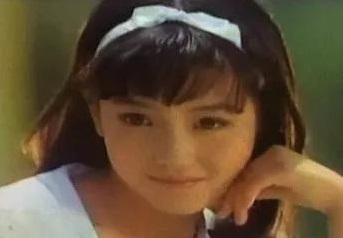"""Nhìn lại loạt khoảnh khắc khi mới 16 tuổi của """"đệ nhất mỹ nhân xứ Hàn"""" Kim Hee Sun, bảo sao tài tử Song Seung Hun phải đi bộ 7km chỉ để được tận mắt nhìn thấy cô - Ảnh 2."""