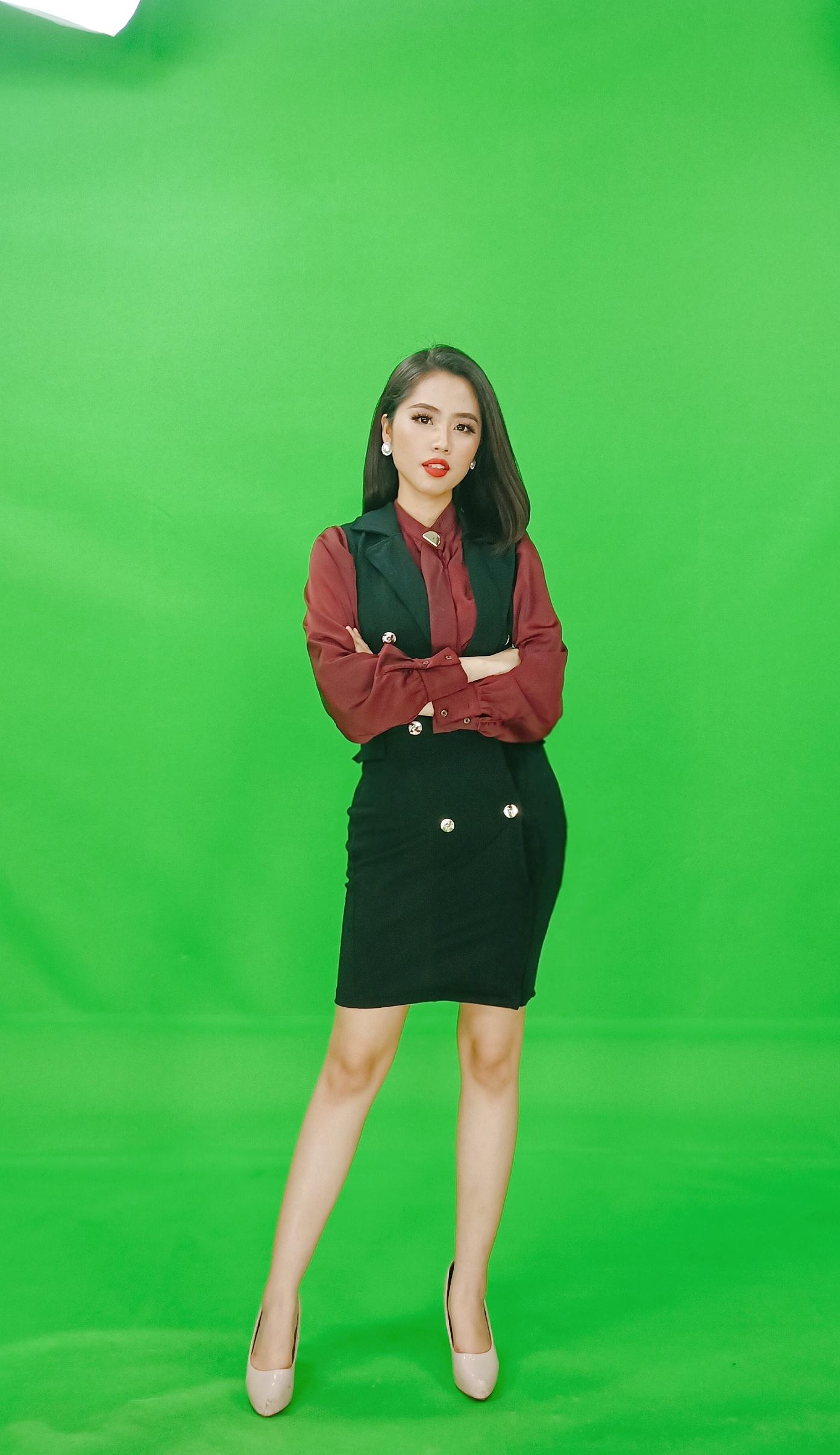 Nữ MC truyền hình 22 tuổi thi HHVN 2020: Các bạn đua theo xu hướng Kpop hay Âu Mỹ, mình chỉ chuộng style đơn giản chuẩn chỉnh tác phong nhà đài - Ảnh 7.