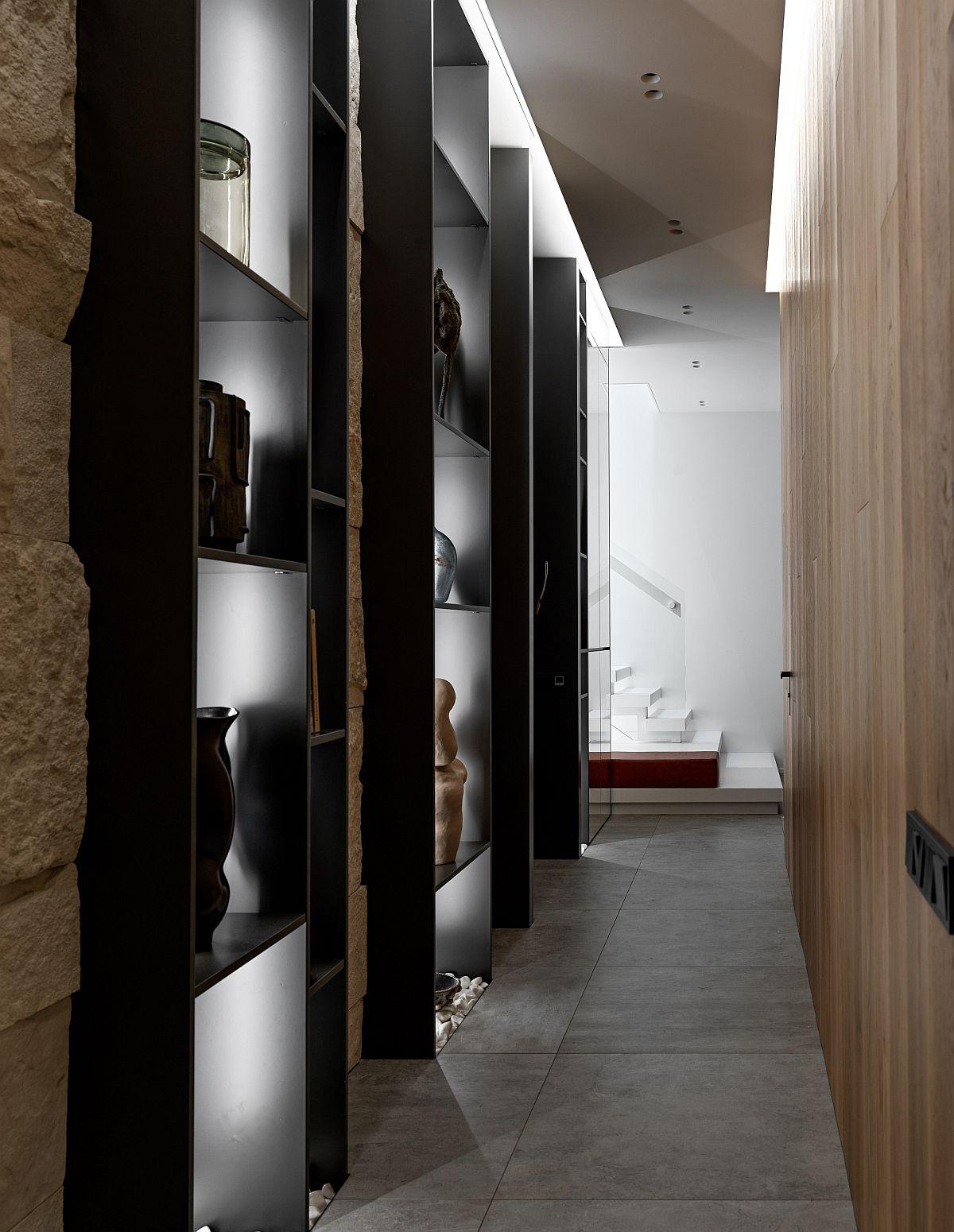 Những cách tận dụng hành lang, lối đi tạo sự tiện ích và sang trọng cho không gian - Ảnh 7.