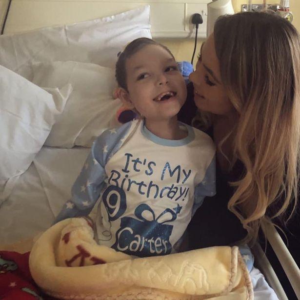 Nỗi đau của người mẹ bất lực nhìn cậu con trai 9 tuổi qua đời trong vòng tay mình vì căn bệnh lạ - Ảnh 4.
