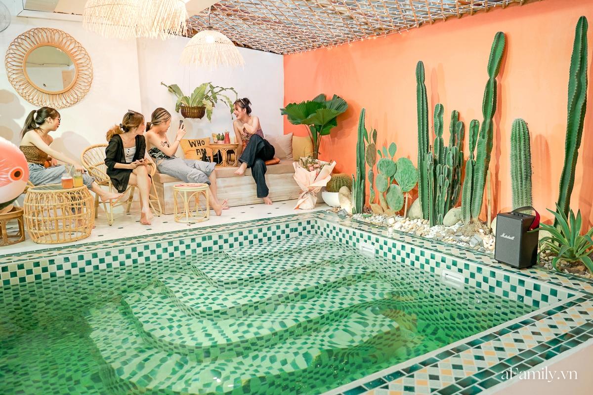 """Khám phá tiệm café kiêm khách sạn sang chảnh giữa lòng Hà Nội, nơi duy nhất có bể bơi trong quán theo phong cách Bali giúp chị em """"sống ảo"""" như đi du lịch  - Ảnh 12."""