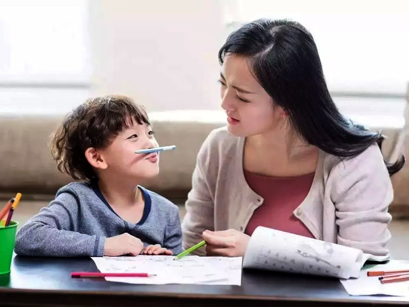 5 sai lầm khiến bố mẹ thất bại trong việc thiết lập giới hạn và dạy con hiệu quả - Ảnh 2.