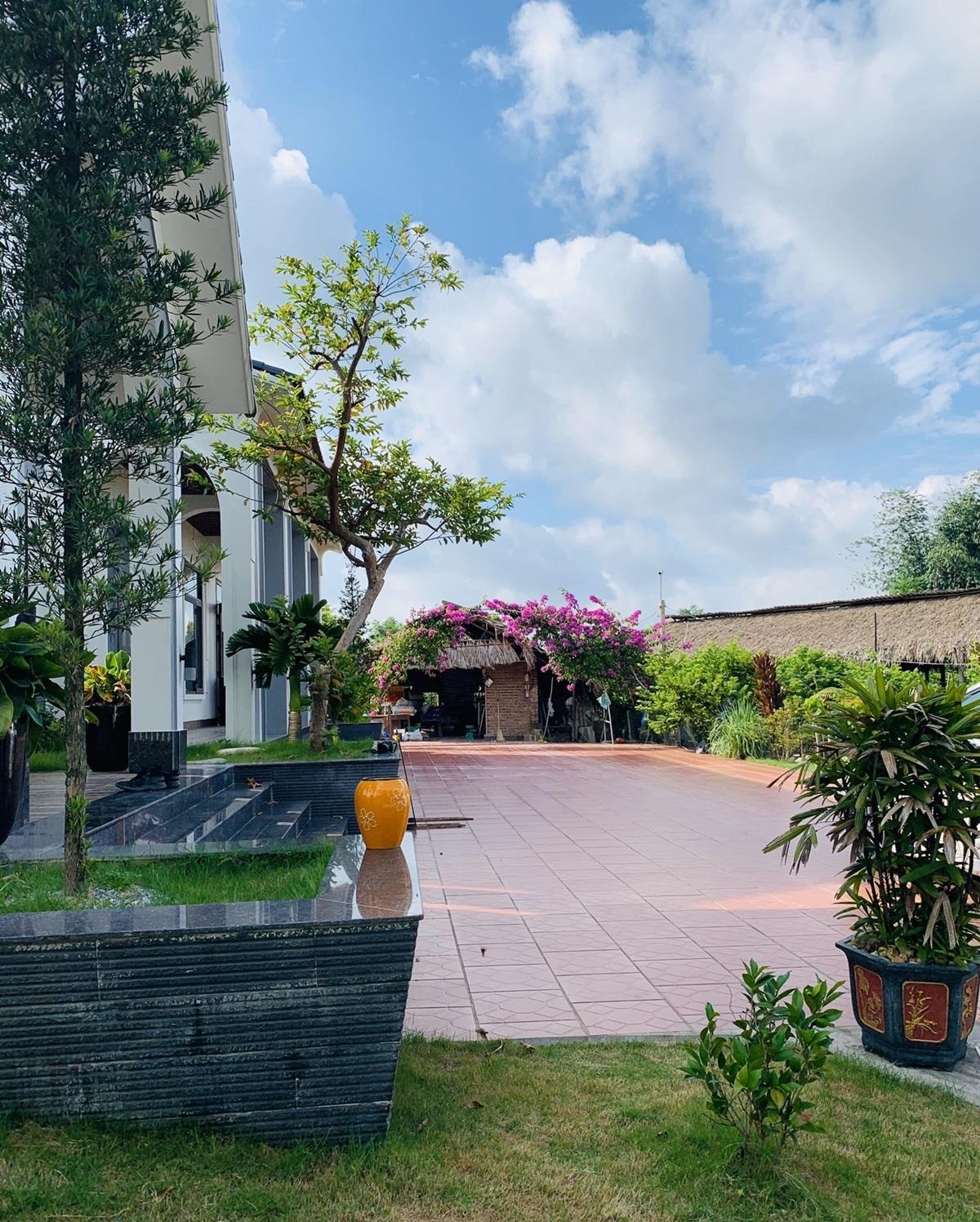 14 1598799900181803539844 - Con trai xây nhà vườn bên đồng lúa xanh mát tặng bố mẹ an hưởng tuổi già ở Vĩnh Phúc