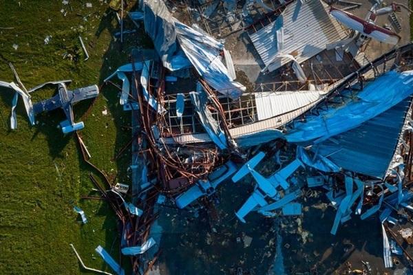 Bão Laura 'quét' qua Texas, Mỹ khiến 14 người thiệt mạng - Ảnh 1.