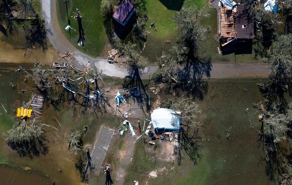 Bão Laura 'quét' qua Texas, Mỹ khiến 14 người thiệt mạng - Ảnh 3.
