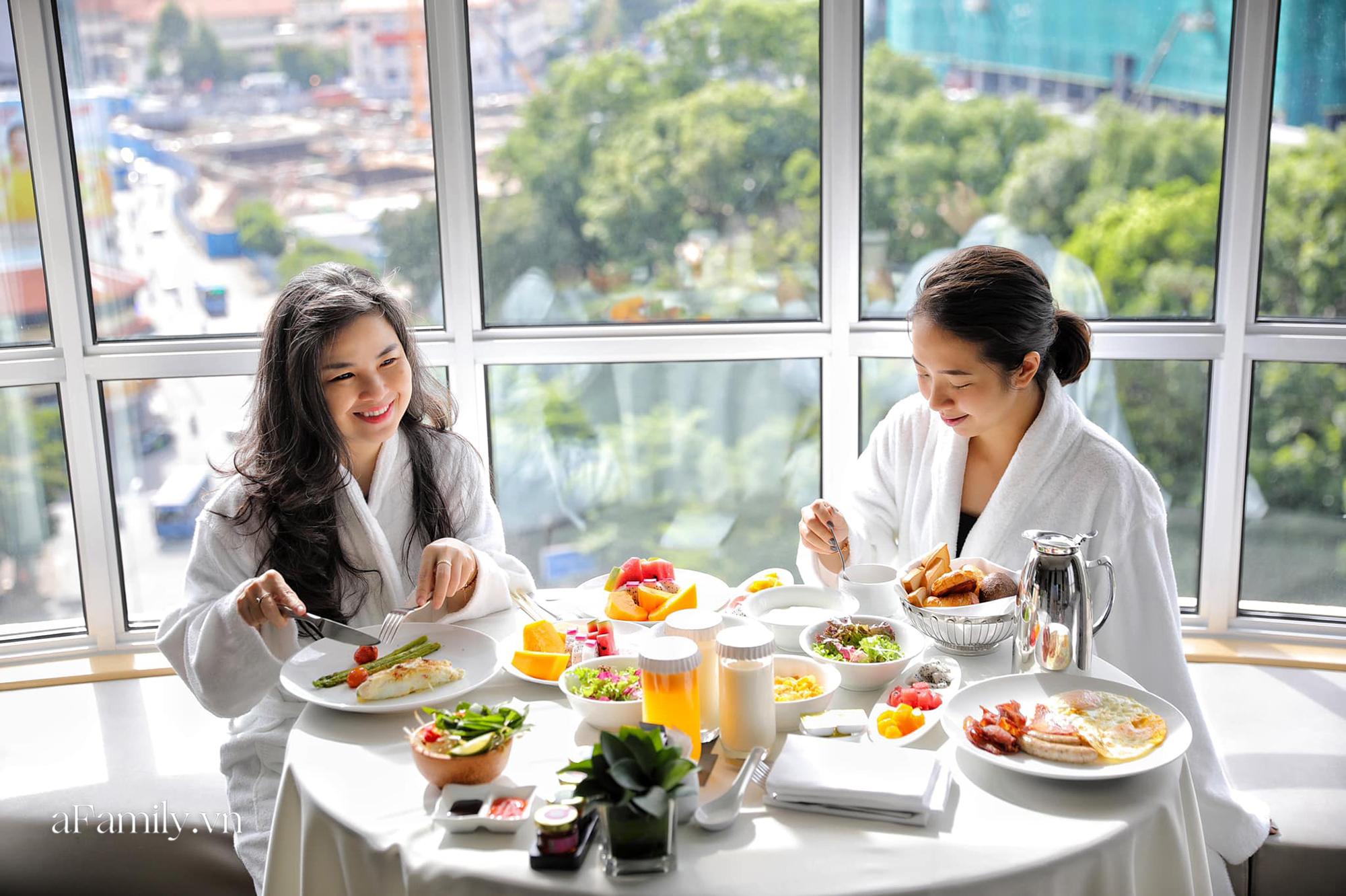 Nhiều người Sài Gòn chọn trải nghiệm kỳ nghỉ 2/9 tại các khách sạn 5 sao vì giá quá hời chỉ bằng một nửa so với ngày thường và đây là 3 nơi siêu lý tưởng  - Ảnh 15.