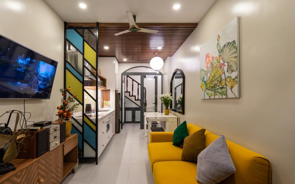 Ngôi nhà 24m² trong ngõ sâu hut hút của phố cổ Hà Nội đẹp ngỡ ngàng với gam màu mùa thu sau cải tạo