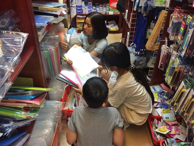 Cô giáo tiểu học gợi ý từ A đến Z cách chọn đồ dùng học tập cho bé vào lớp 1 - Ảnh 2.