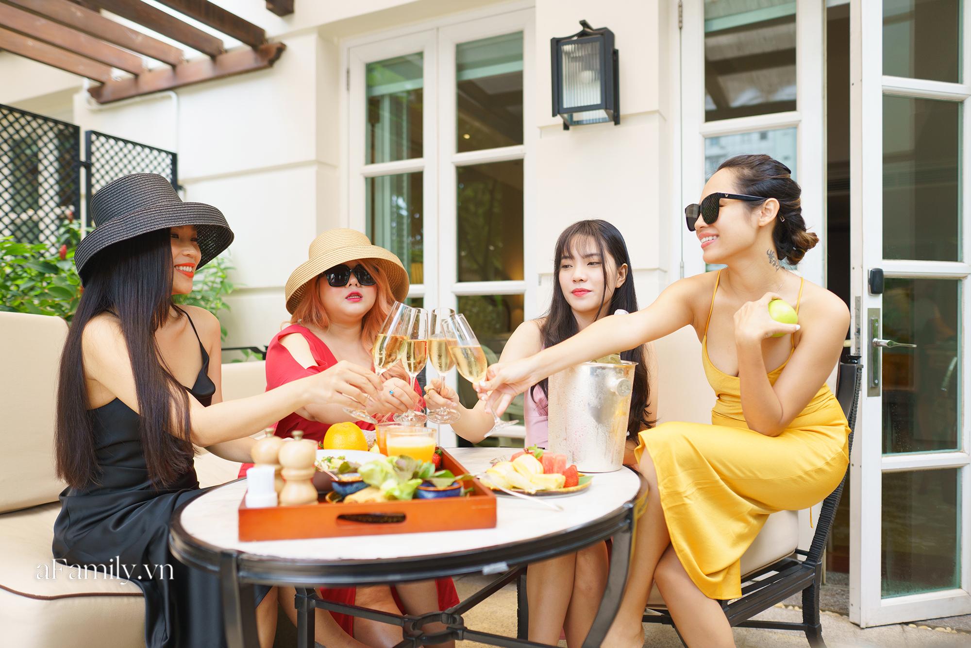 Nhiều người Sài Gòn chọn trải nghiệm kỳ nghỉ 2/9 tại các khách sạn 5 sao vì giá quá hời chỉ bằng một nửa so với ngày thường và đây là 3 nơi siêu lý tưởng  - Ảnh 4.
