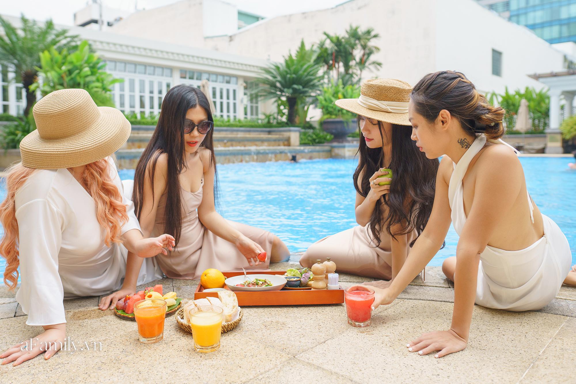 Nhiều người Sài Gòn chọn trải nghiệm kỳ nghỉ 2/9 tại các khách sạn 5 sao vì giá quá hời chỉ bằng một nửa so với ngày thường và đây là 3 nơi siêu lý tưởng  - Ảnh 2.