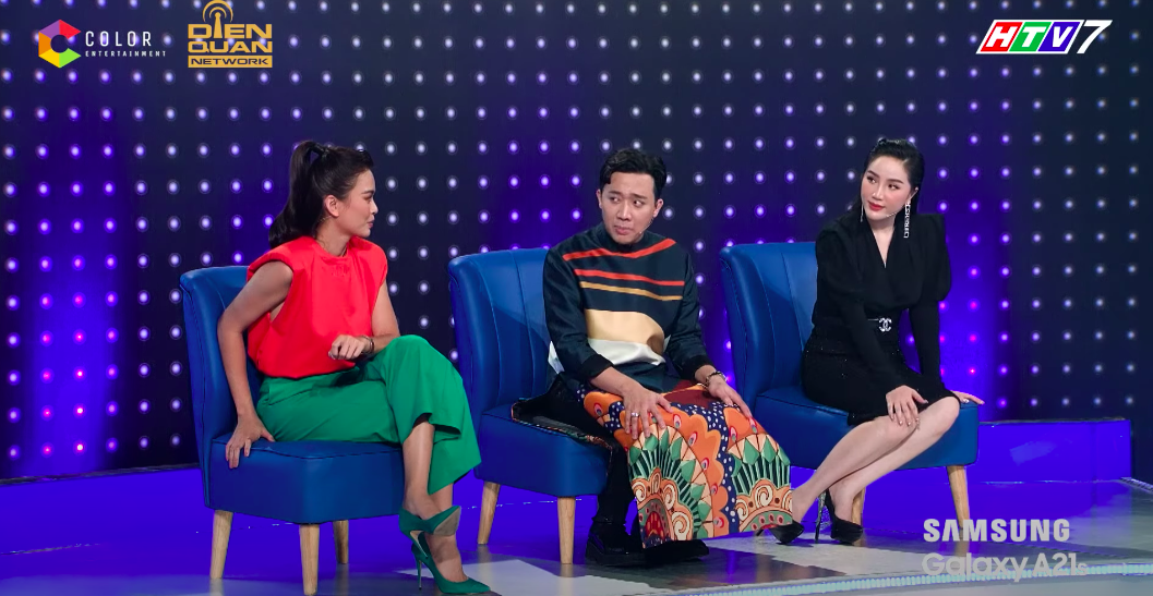 Lại thêm pha mặc váy ngắn cũn trên sóng truyền hình: Võ Hoàng Yến liên tục dùng tay chỉnh váy để khỏi hớ hênh - Ảnh 4.