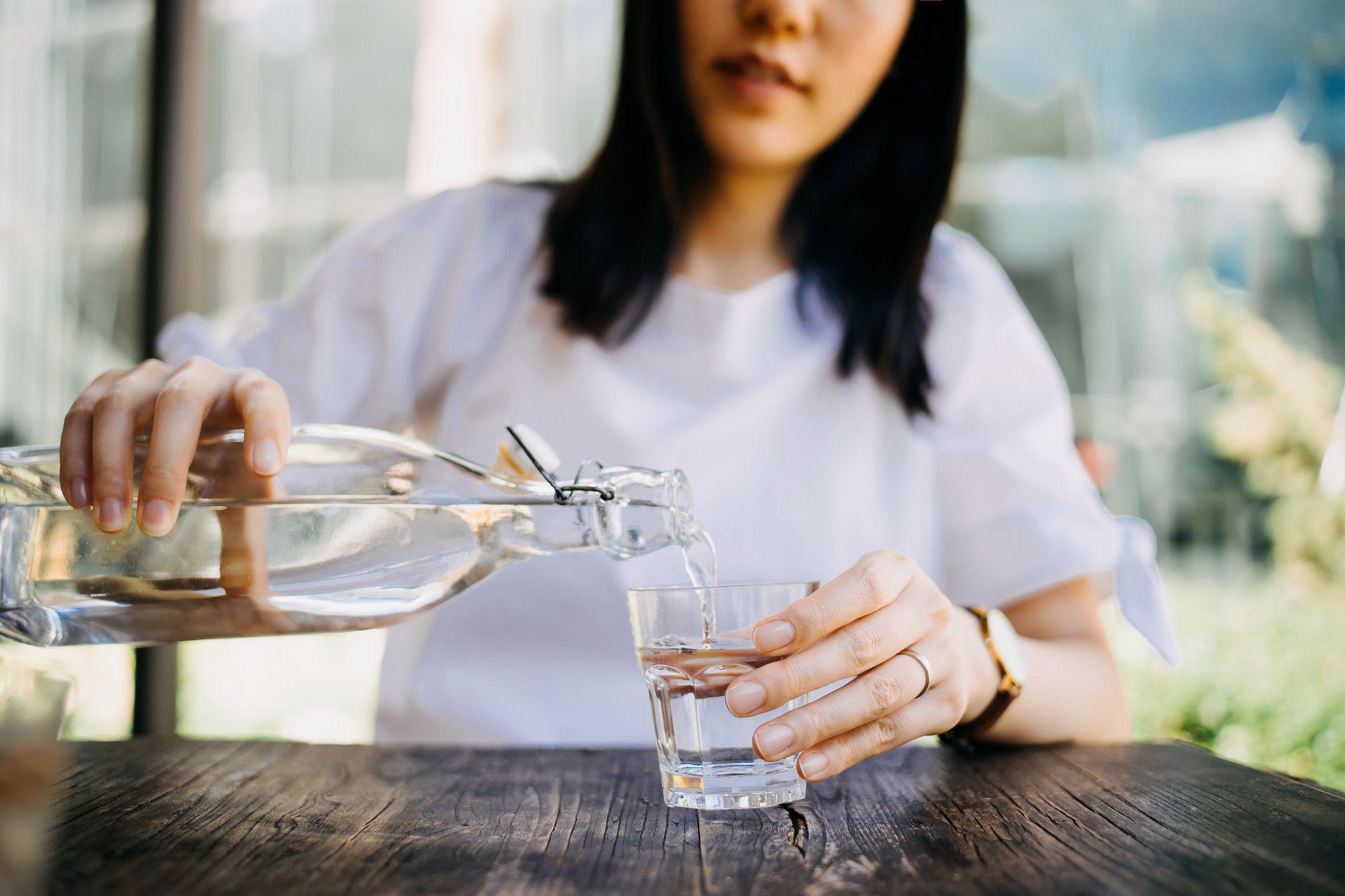 Thay vì nước có gas, chuyển sang uống 4 loại nước này vào bữa ăn sẽ giúp bạn gầy đi nhanh chóng - Ảnh 3.