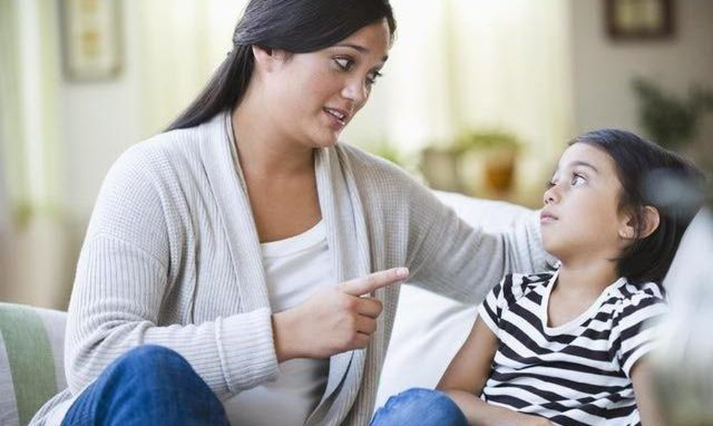 Nghiên cứu 19 năm chỉ ra tác hại nghiêm trọng của việc bố mẹ kiểm soát con quá mức, đọc xong mà giật mình! - Ảnh 1.