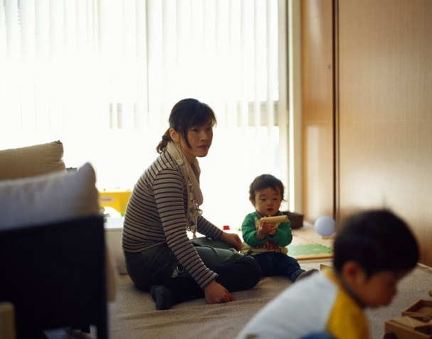 Tranh cãi nảy lửa về câu chuyện chồng bác sĩ khuyên vợ ở nhà chăm con thay vì đi làm lương 4 triệu: Nói qua nói lại phụ nữ vẫn thiệt thòi - Ảnh 3.
