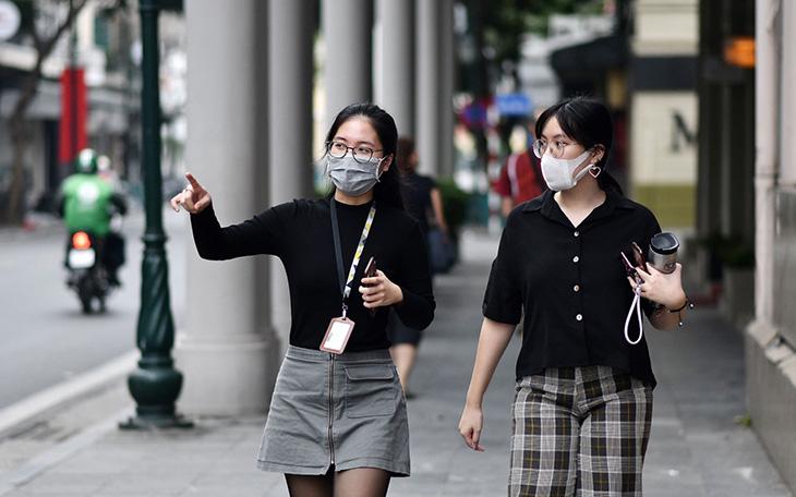 TP.HCM: Từ ngày mai, không đeo khẩu trang nơi công cộng sẽ bị xử phạt thế nào?