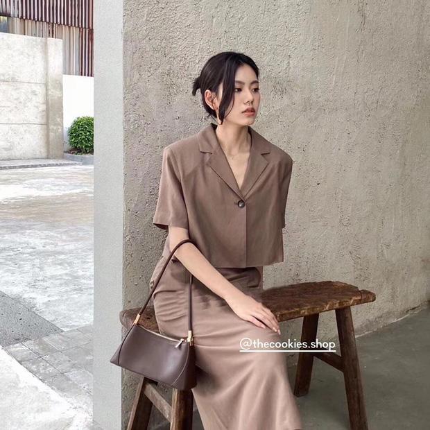 """Nhìn Seo Ye Ji ăn diện khoe eo nhỏ siêu thực, các nàng cũng tăm tia được ngay set đồ matching tôn eo """"hack dáng"""" - Ảnh 4."""