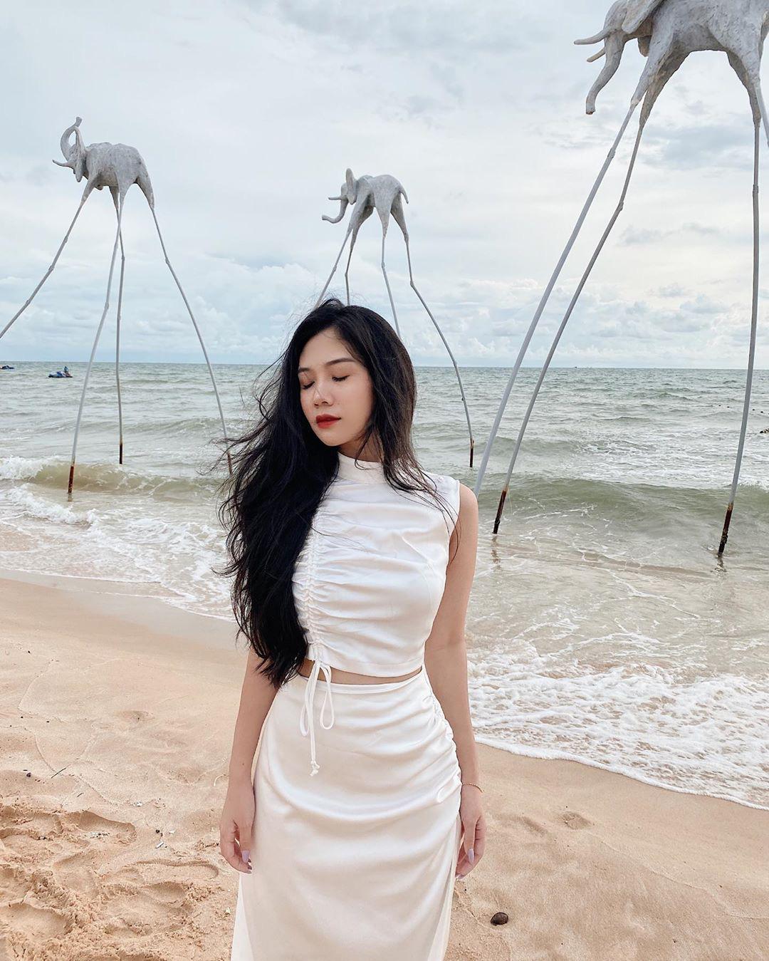 Nhìn Seo Ye Ji ăn diện khoe eo nhỏ siêu thực, các nàng cũng tăm tia được ngay set đồ matching tôn eo hack dáng - Ảnh 14.