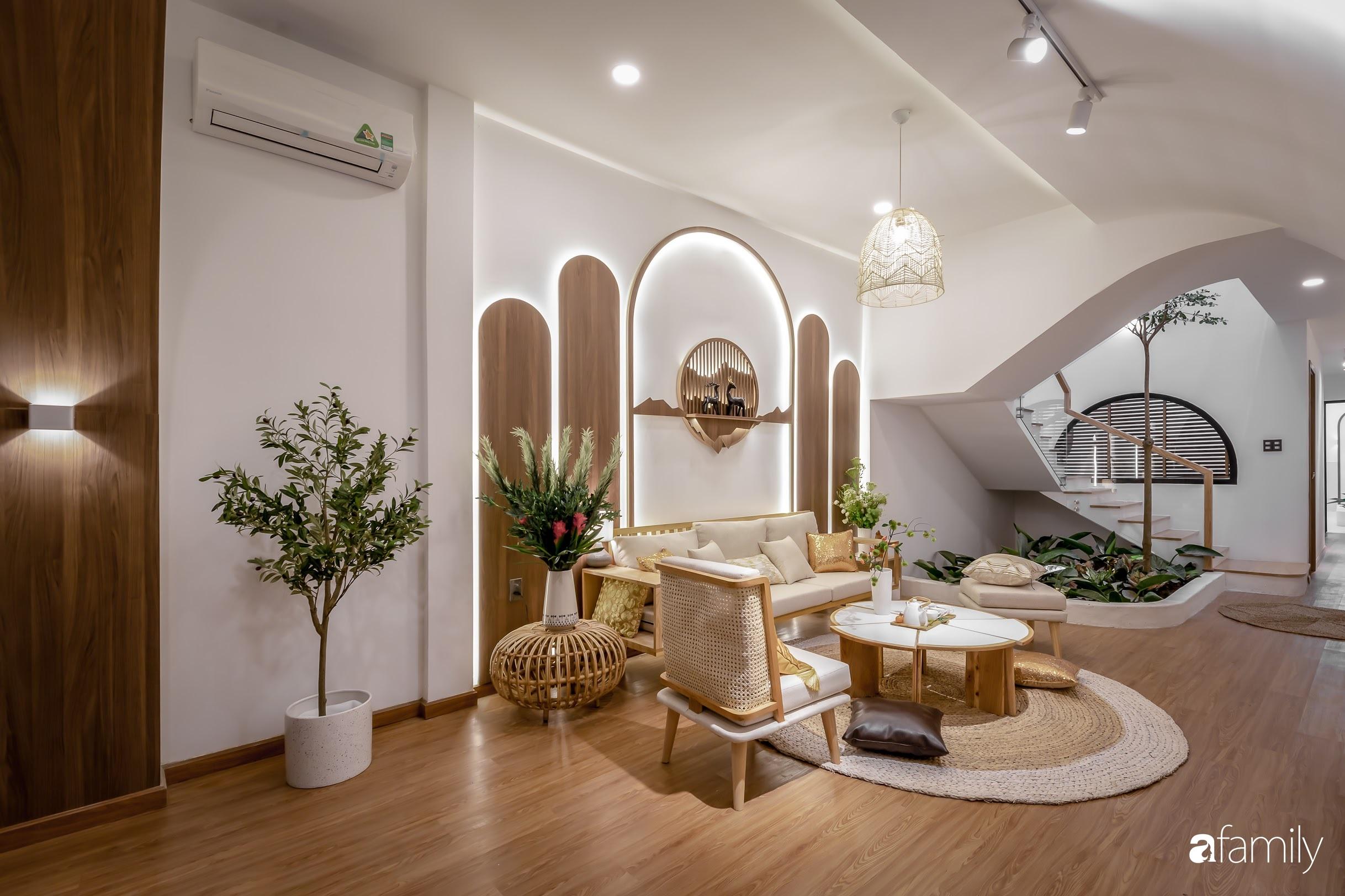 Nhà phố Tiền Giang đẹp hài hòa với thiết kế hiện đại, bố trí nội thất thông minh với chi phí 1,8 tỉ đồng - Ảnh 1.