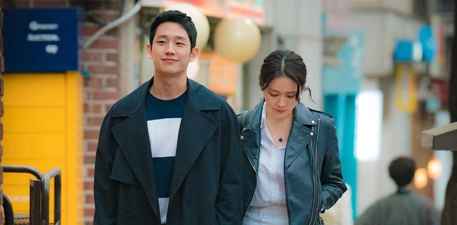 """Cảnh hôn của Son Ye Jin và Jung Hae In trong """"Chị đẹp mua cơm ngon cho tôi"""" đạt chục triệu view sau 2 năm, fan réo gọi bộ đôi tái hợp - Ảnh 7."""