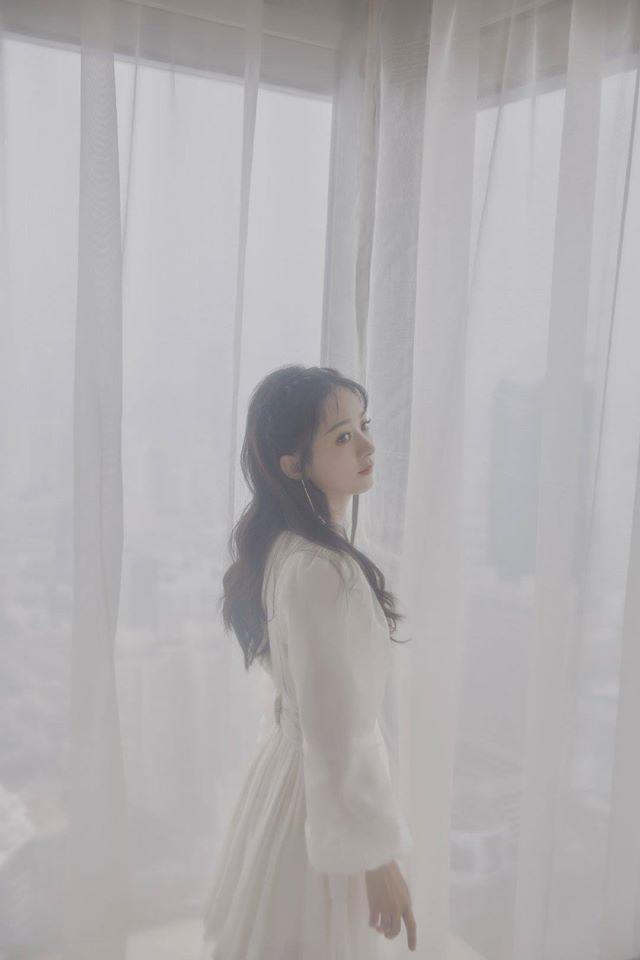 """Hot nhất lúc này: Triệu Lệ Dĩnh xác nhận đóng """"Thu Cúc truyền kỳ"""" sau khi yêu Vương Nhất Bác ở """"Hữu Phỉ"""" - Ảnh 6."""