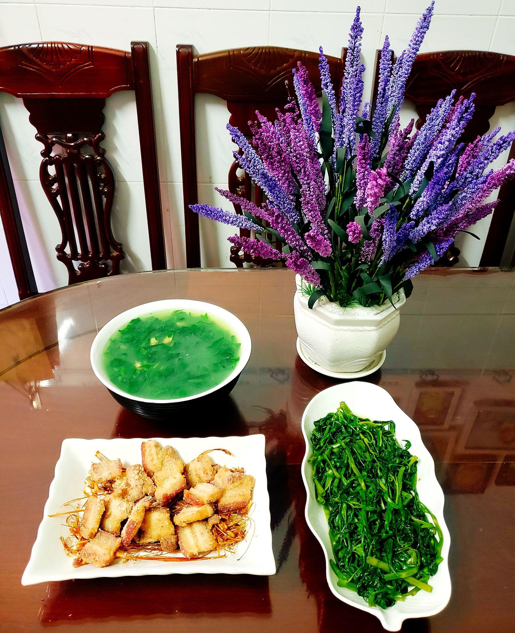 Chỉ từ 130k trở lên, bà nội trợ đảm Sài Gòn sắm sửa mỗi bữa cơm đều như đãi tiệc với các món bổ dưỡng, đẹp mắt cho gia đình 6 thành viên - Ảnh 10.