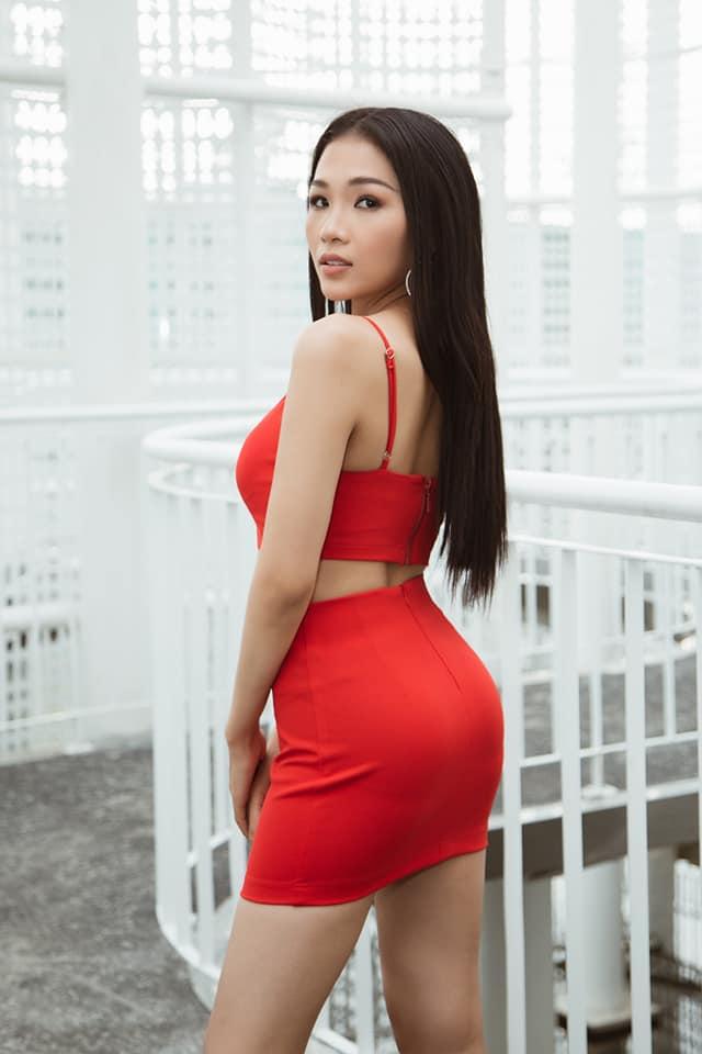 """Em gái luật sư của Hoàng Thùy: Bị loại khỏi Hoa hậu Hoàn vũ vì chiều cao nhưng body lại """"bốc lửa"""" không kém chị gái - Ảnh 3."""