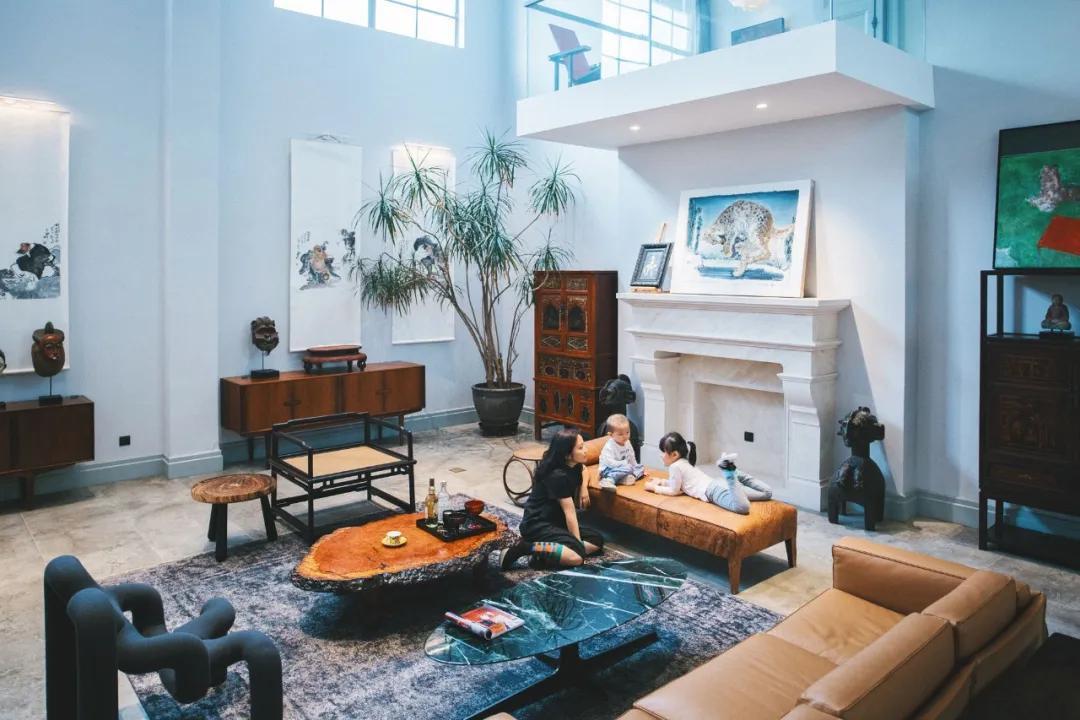 Cặp vợ chồng trẻ thuê nhà xưởng 1000m² cải tạo thành không gian sống siêu đẹp ở ngoại ô - Ảnh 4.