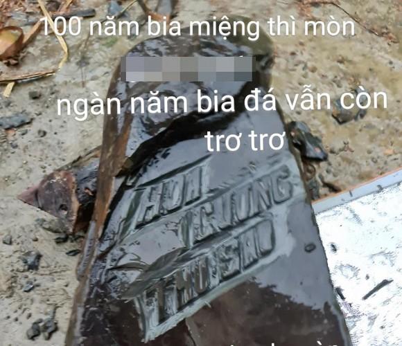 """Mừng nhà mới, cô dâu 63 tuổi ở Cao Bằng dựng hẳn bia đá khắc tên hai vợ chồng khiến dân mạng choáng váng vì cho là """"điềm gở"""" - Ảnh 2."""