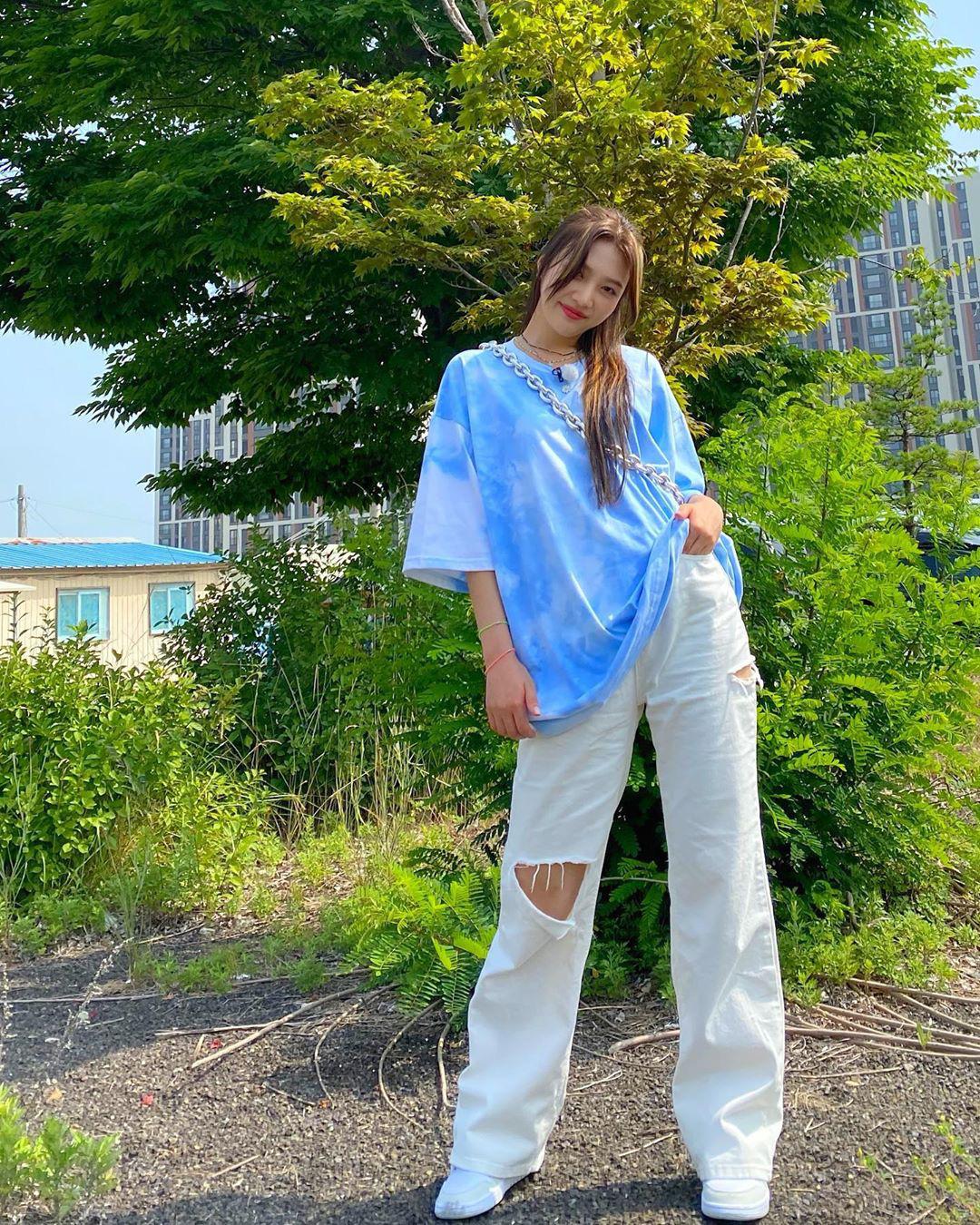 Ngắm outfit của sao Hàn, bạn học được khối tuyệt kỹ mix&match cực hay để có set đồ xinh bất bại - Ảnh 5.