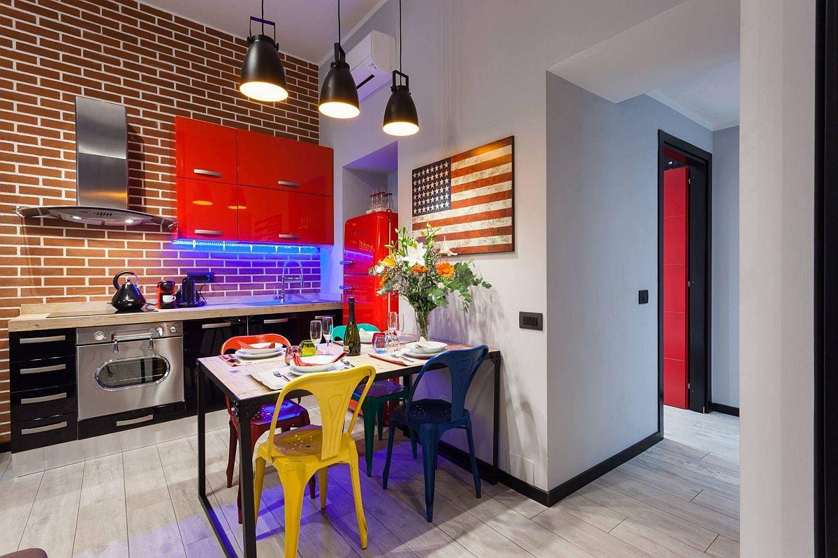 Gợi ý thiết kế căn bếp nhỏ xịn sò với những bức tường gạch trần duyên dáng - Ảnh 2.