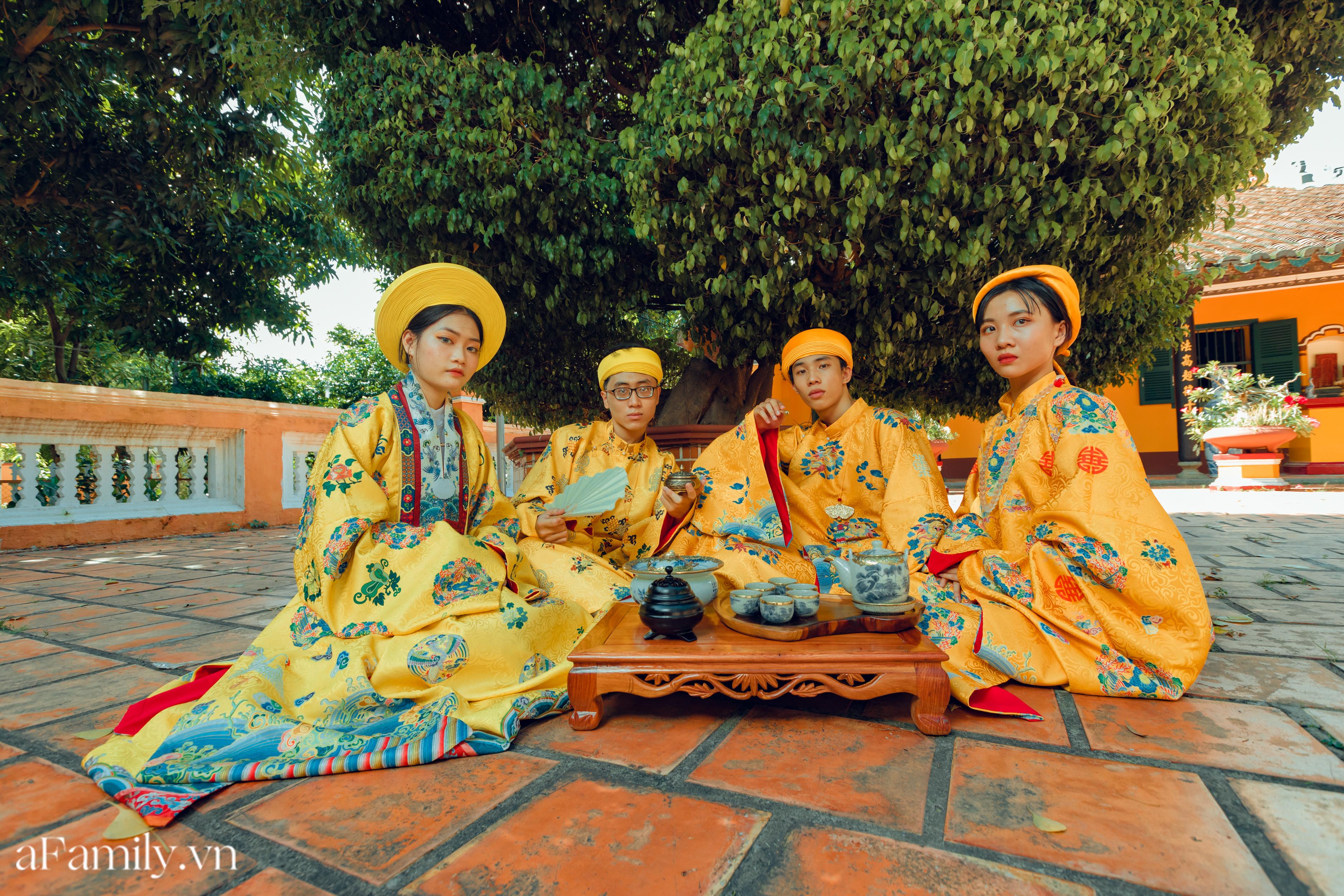 """Nhóm học sinh cấp 3 tìm về nét đẹp truyền thống, diện nguyên dàn cổ phục Việt chụp ảnh kỷ yếu, nhanh chóng thành tạo """"hot trend"""" trên mạng xã hội - Ảnh 12."""