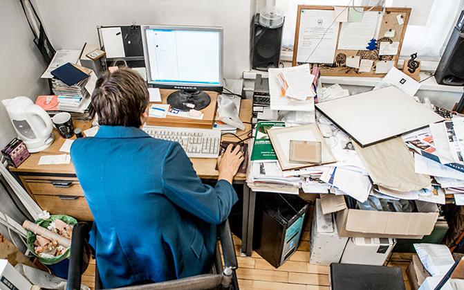 Những lợi ích bất ngờ đến từ việc dọn dẹp bàn làm việc, dân công sở đã biết chưa?