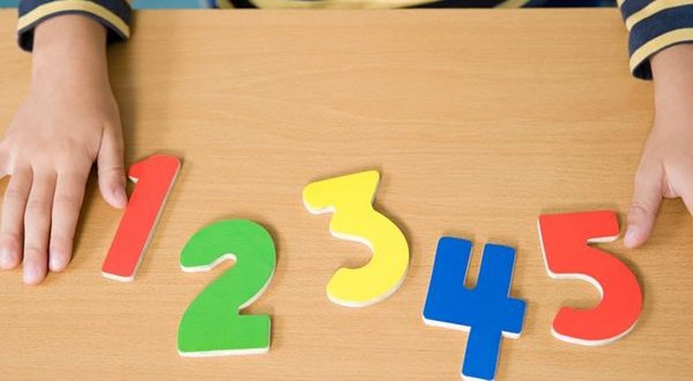 Con sẽ học giỏi toán lớp 1 nếu được bố mẹ dạy 5 bước làm phép cộng trừ nhanh cực hữu ích này - Ảnh 1.