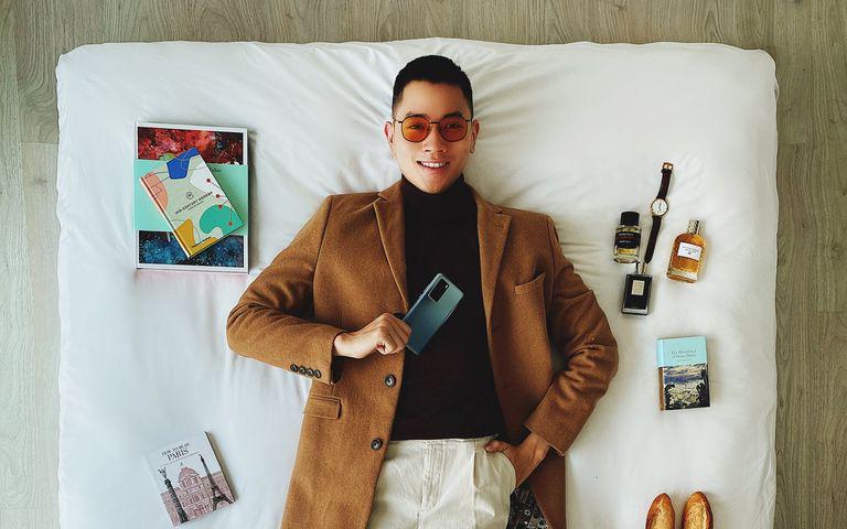 """Đẹp trai, lái máy bay giỏi, lại còn kiêm thêm nghề travel blogger, cơ trưởng 9X Quang Đạt tâm sự """"Đi chơi nhiều quá toàn lỗ tiền""""!"""