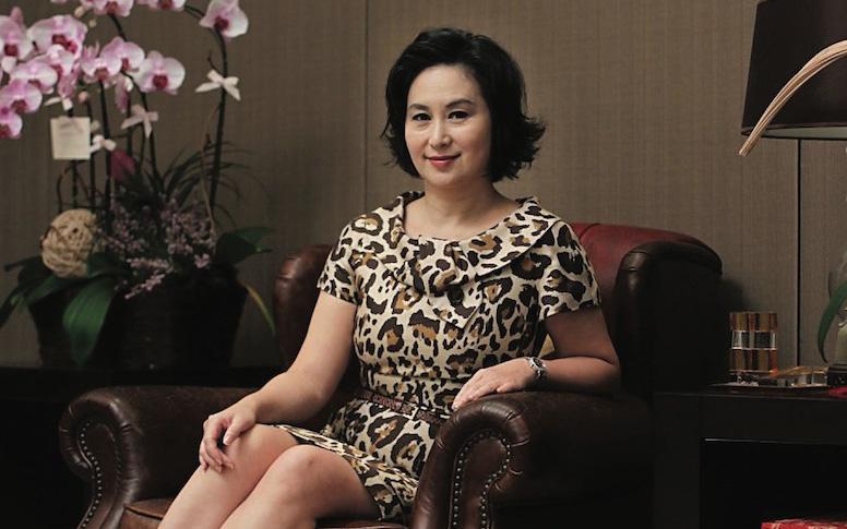 """Sau """"em gái bị bỏ rơi"""" và người cháu ngoài giá thú, Hà Siêu Quỳnh đã có động thái pháp lý với tài sản thừa kế từ Vua sòng bài Macau"""