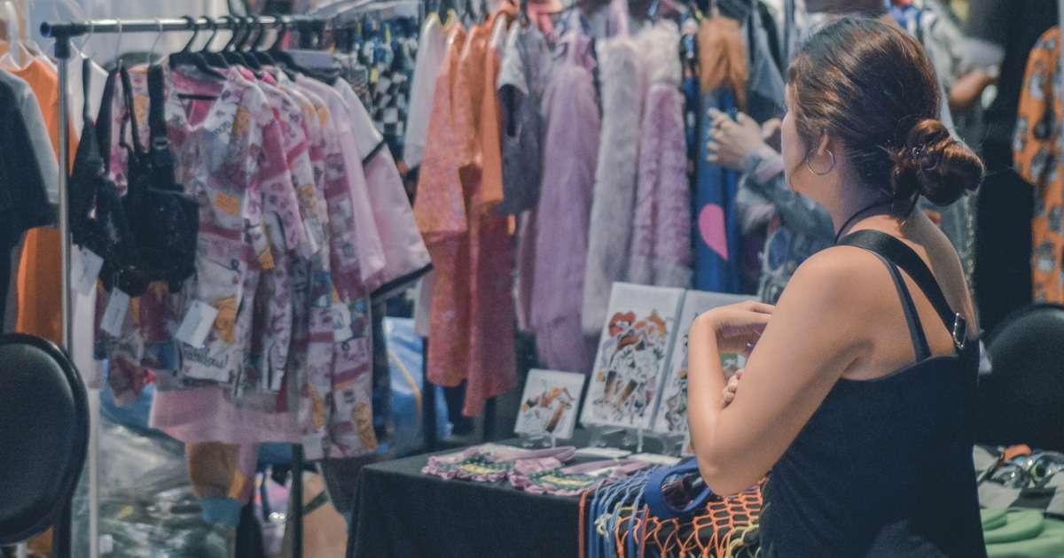 """Các cửa hàng bán hàng thùng mọc lên như nấm ở Hàn Quốc được giới trẻ """"phát cuồng"""": Đồ cũ bán theo chủ đề độc đáo, hàng hiệu lại giá rẻ theo cân - Ảnh 2."""