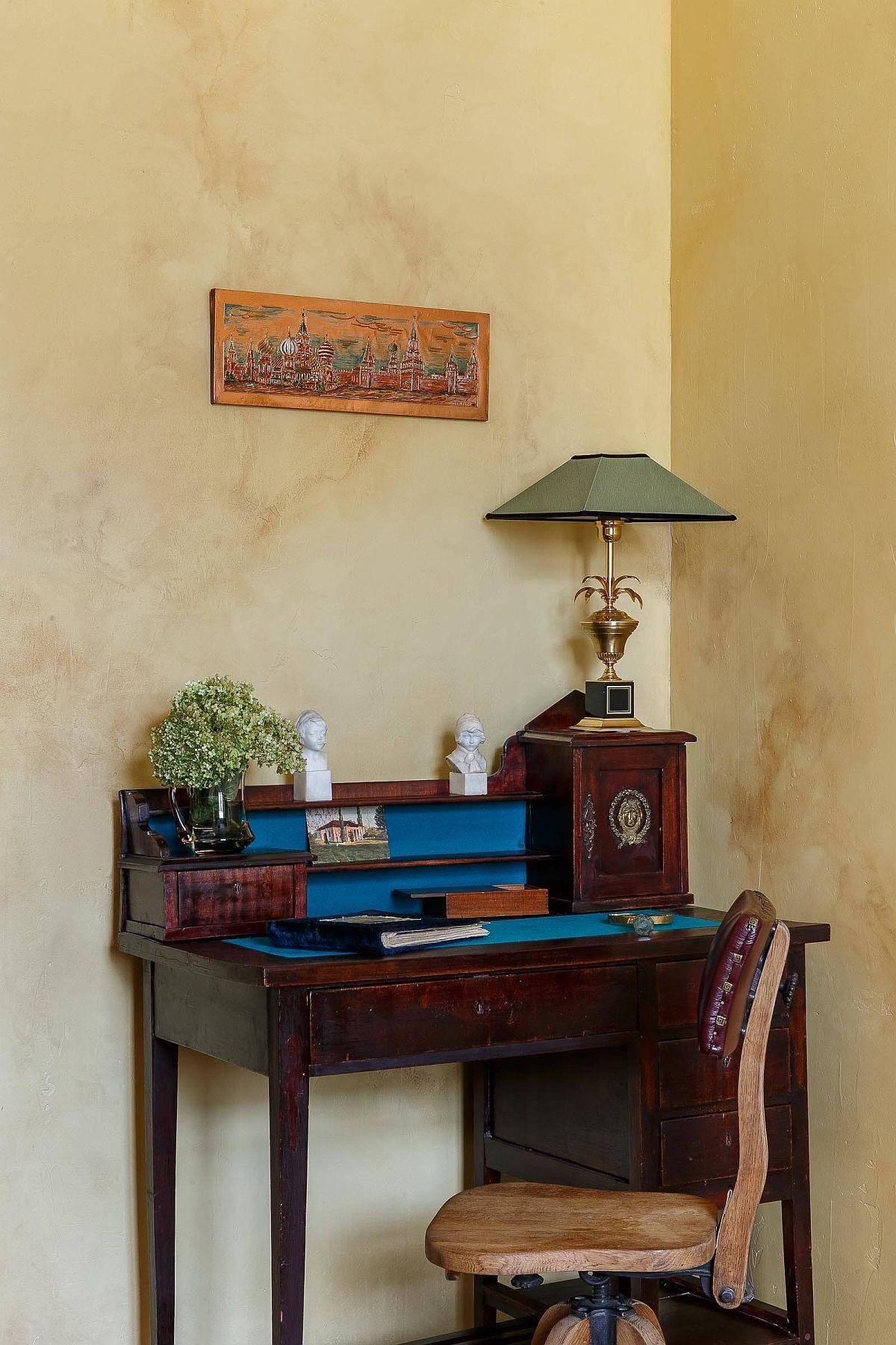 Phòng làm việc nhỏ tại nhà với phong cách chiết trung đầy màu sắc - Ảnh 3.
