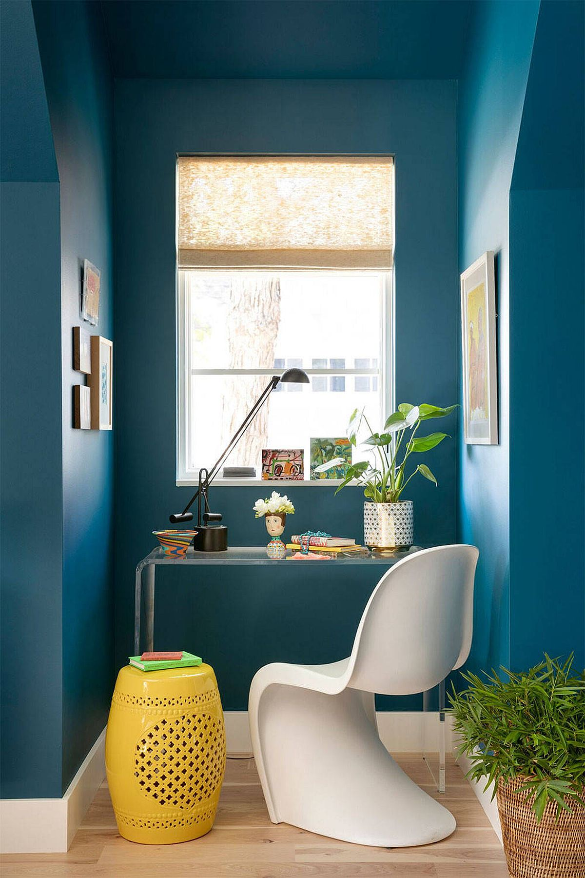 Phòng làm việc nhỏ tại nhà với phong cách chiết trung đầy màu sắc - Ảnh 8.