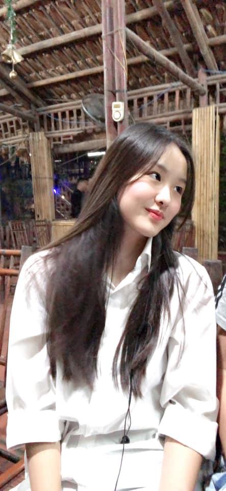 """Con gái của """"Hoa khôi bóng chuyền"""" Kim Huệ: Xinh xắn chẳng thua kém mẹ, đã vậy còn học cực giỏi và cá tính như này - Ảnh 2."""