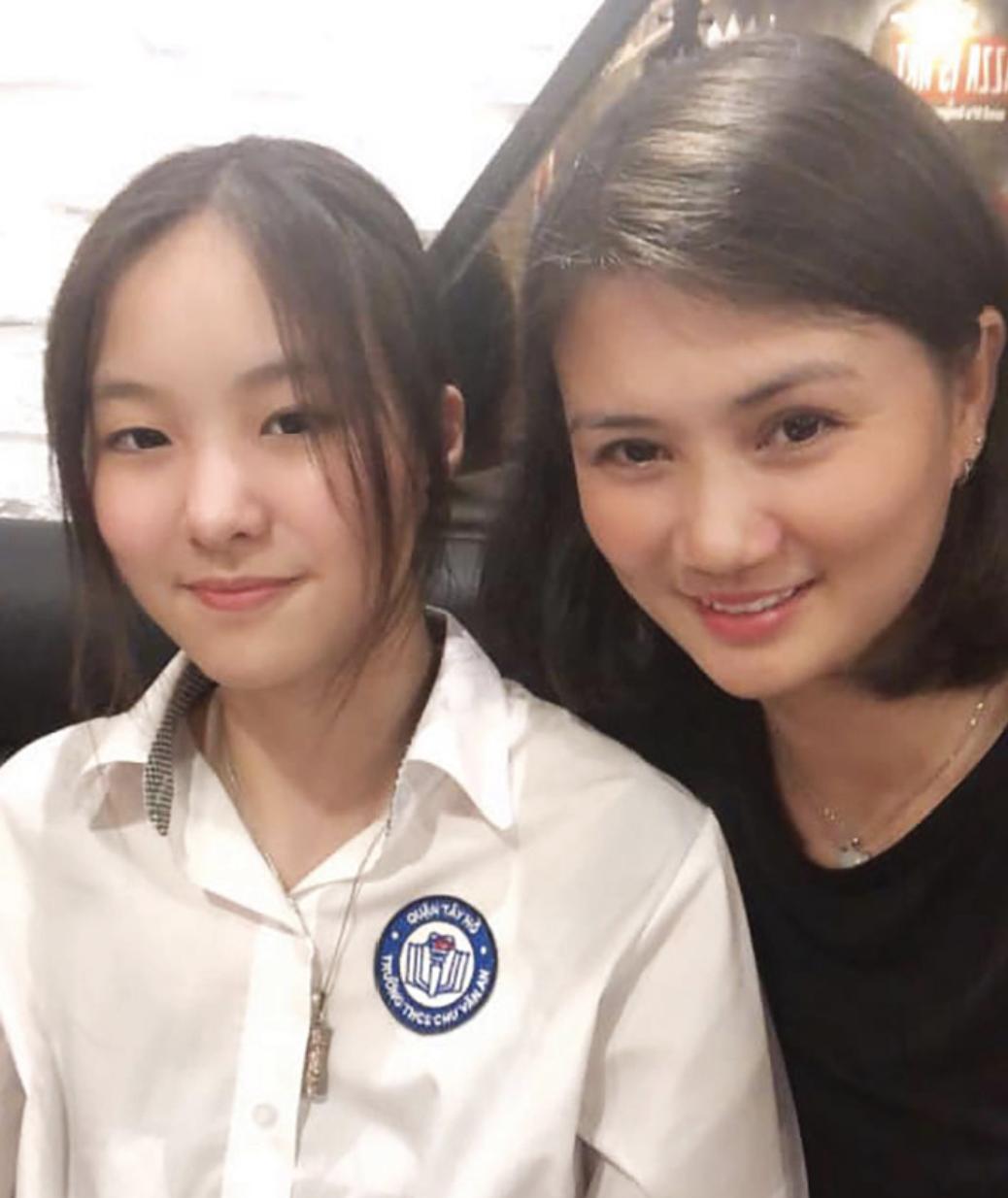 """Con gái của """"Hoa khôi bóng chuyền"""" Kim Huệ: Xinh xắn chẳng thua kém mẹ, đã vậy còn học cực giỏi và cá tính như này - Ảnh 3."""