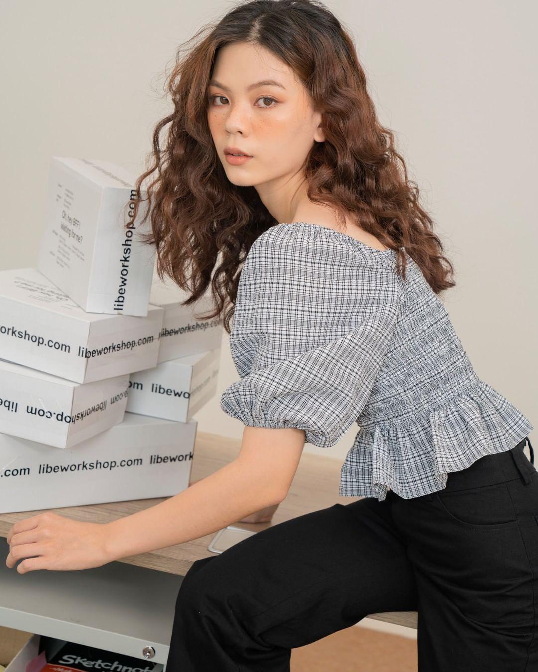 Áo blouse nhấn eo đã hack dáng còn mix được 5 kiểu khác nhau, bảo sao nàng nào cũng muốn sắm vài ba chiếc - Ảnh 21.