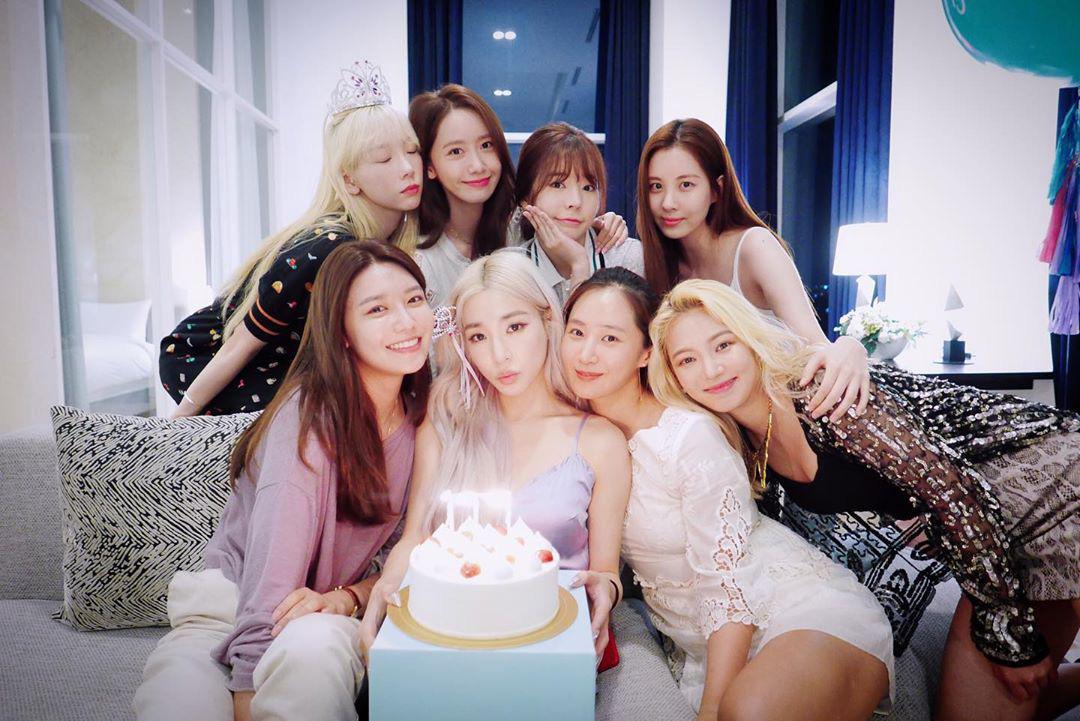 Tiệc kỉ niệm 13 năm debut của SNSD là chuyện vui nhưng hóa ra lại khiến Hyoyeon nặng gánh chỉ vì việc chọn dress code  - Ảnh 3.