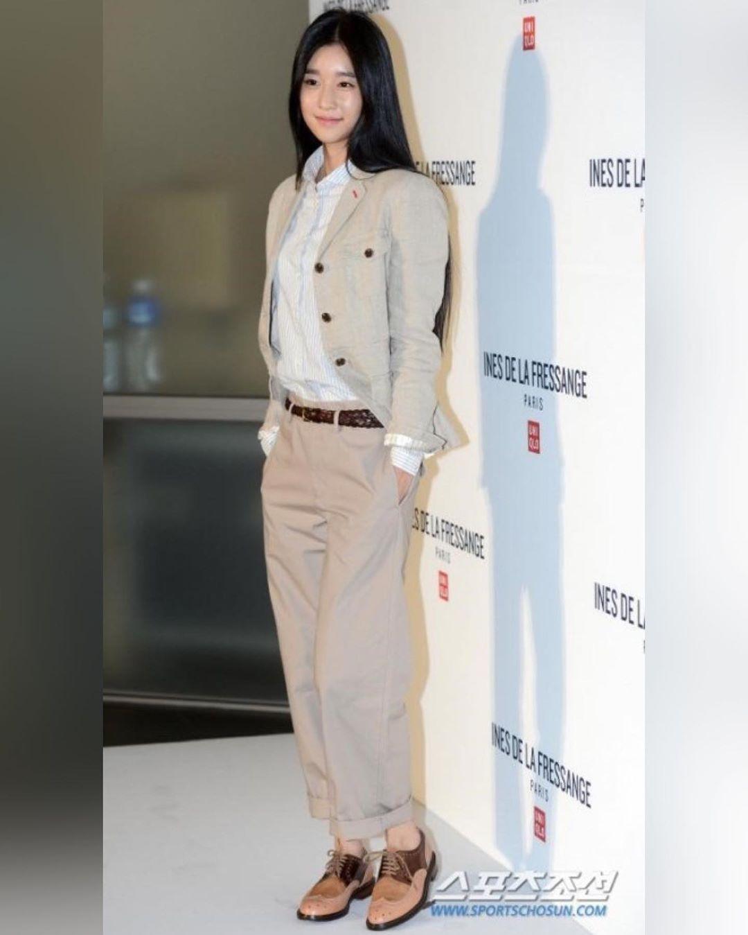Chân dài nổi tiếng nhưng Seo Ye Ji cũng từng dìm dáng thảm hại vì chọn nhầm bộ suit khiến chân ngắn một mẩu - Ảnh 3.