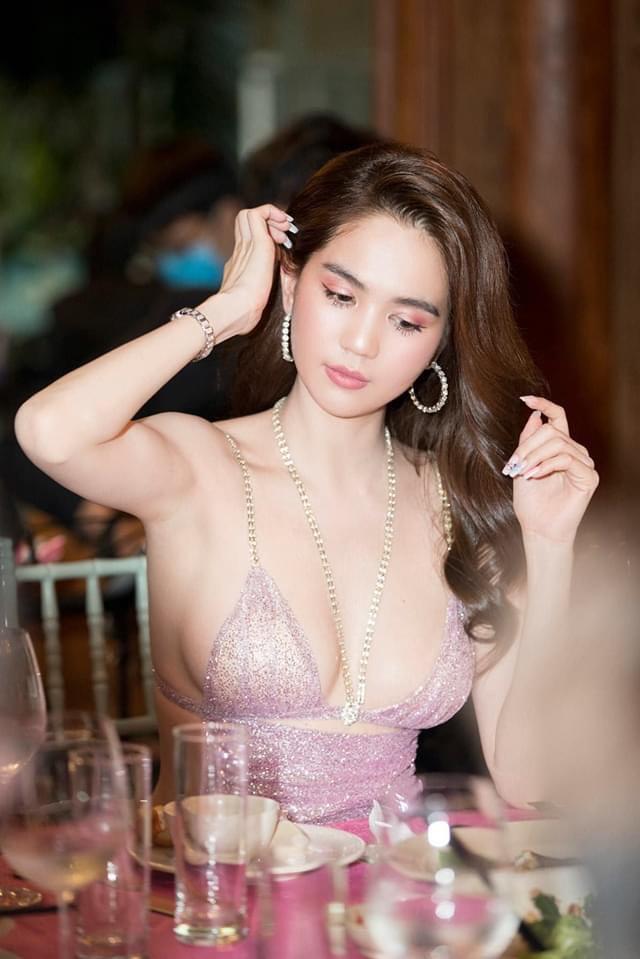 Phượng Chanel lên đồ khác biệt, chiếm spotlight tại tiệc mừng của Ngọc Trinh - Ảnh 3.